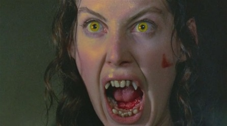как называется фильм ужасов про девушку