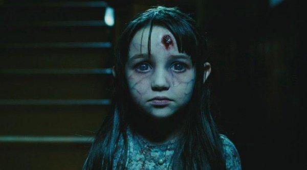 Ужастик девочка с черными волосами