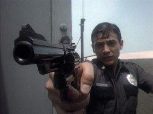 Ричард Юнигез в роли полицейского Рамиро Мартинеза